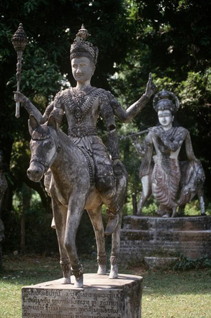 Laos, Vientiane, Wat Xieng Khuan, statue at Buddha Park : Stock Photo