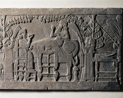 Assyrian civilization, relief portraying Ashurbanipal's banquet, from Nineveh, detail : Stock Photo