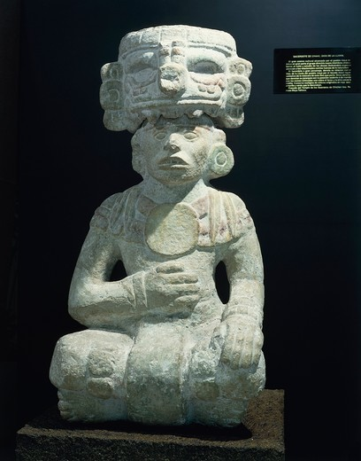 Stock Photo: 1788-15403 Mexico, Chichen Itza, Statue depicting Chaac priest