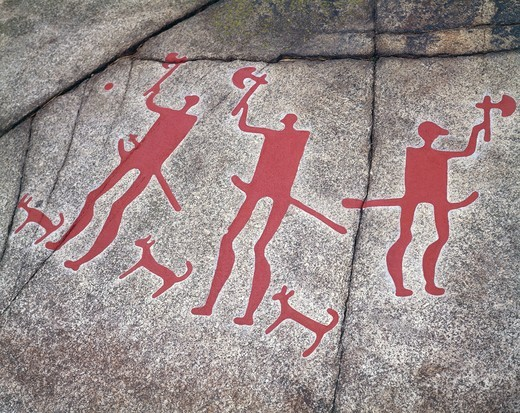Stock Photo: 1788-15638 Sweden, Tanum, Tanumshede, Vitlycke Museum, Nordic Bronze Age rock carvings depicting Warriors with axes