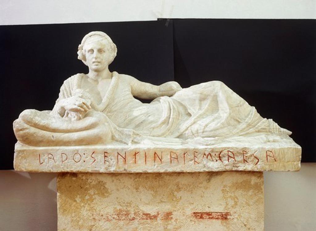 Lid of alabaster urn with portrait of Larth Sentinates Caesar, from Tomb of Pilgrim of Chiusi, Tuscany Region, Italy : Stock Photo