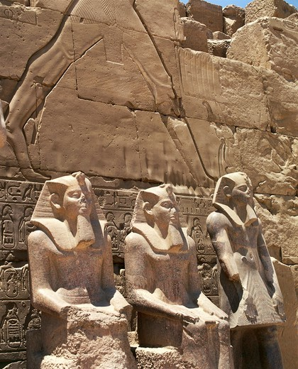 Stock Photo: 1788-17321 Egypt, Luxor - Thebes, Temples of Karnak, Temple of Amun, south propylaea and colossal statues of Amenhotep I and Thutmose II