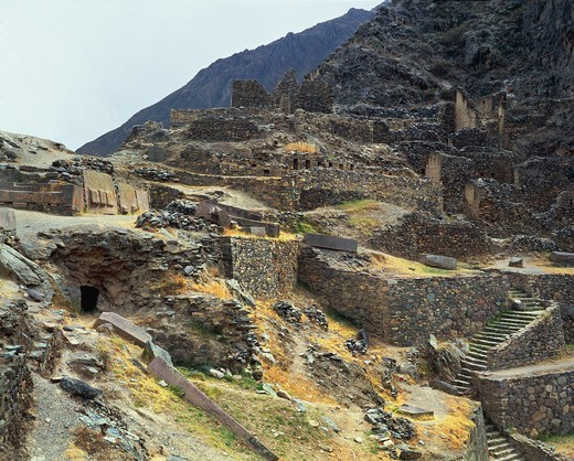 Stock Photo: 1788-17376 Peru - Cusco - Urubamba - Ollantaytambo, Inca archaeological site. Fortress of the Sacred Valley, 15th century.