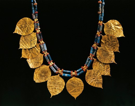 Lapislazuli necklace with gold pendants from Ur, Iraq, Detail, Sumerian civilization : Stock Photo