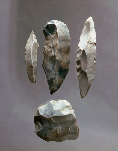 Stock Photo: 1788-17905 Various flint tools from layer 9 at Willendorf