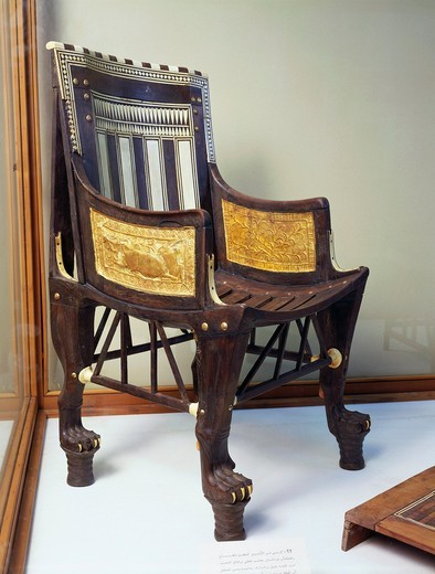 Wood and ivory throne of infant king, from Valley of the Kings, tomb of Tutankhamen : Stock Photo