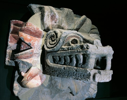 Mexico, Surroundings of Mexico City, Pyramid of Quetzalcoatl, stone statue of serpent head : Stock Photo