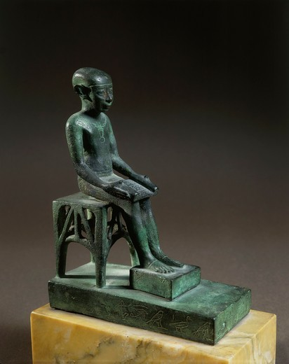 Bronze ex-voto depicting Imhotep, architect of pyramids of Giza : Stock Photo