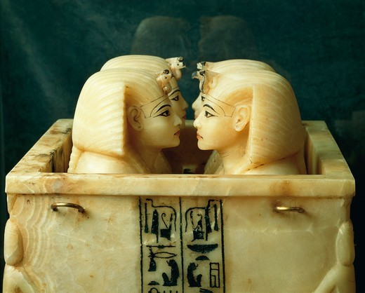Stock Photo: 1788-19247 Treasure of Tutankhamen, chest with canopic jars of Tutankhamen, from Thebes, detail