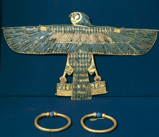 Treasure of Tanis, Hawk-shaped gold breastplate and bracelets, part of funerary objects of King Amenemope : Stock Photo