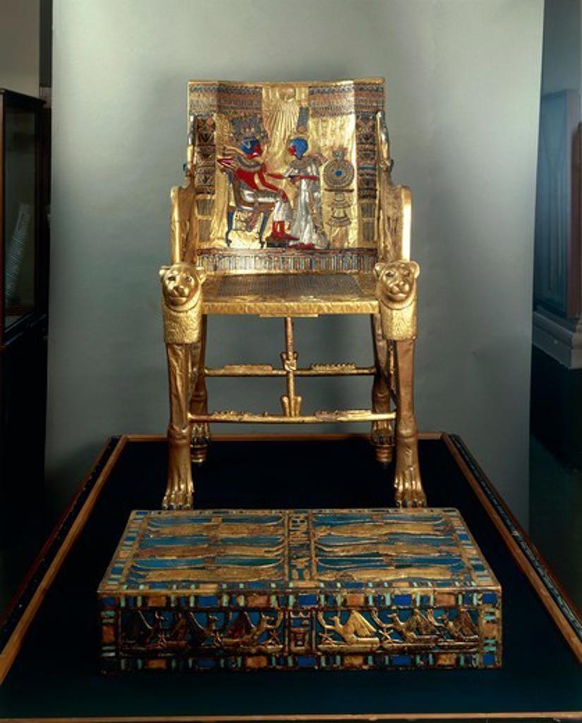 Treasure of Tutankhamen, Throne depicting Tutankhamen and wife Ankhesenamon protected by solar disc : Stock Photo
