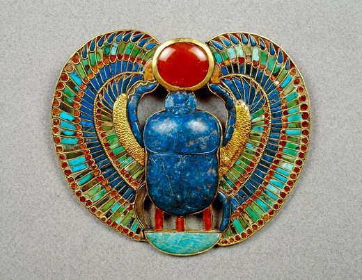 Stock Photo: 1788-20324 Pectoral made of gold, lapislazuli and semi-precious stones depicting scarab, solar disk and crescent, from Treasure of Tutankhamen