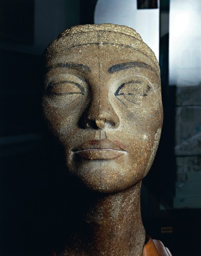 Unfinished brown quartzite head of Queen Nefertiti from New Kingdom : Stock Photo