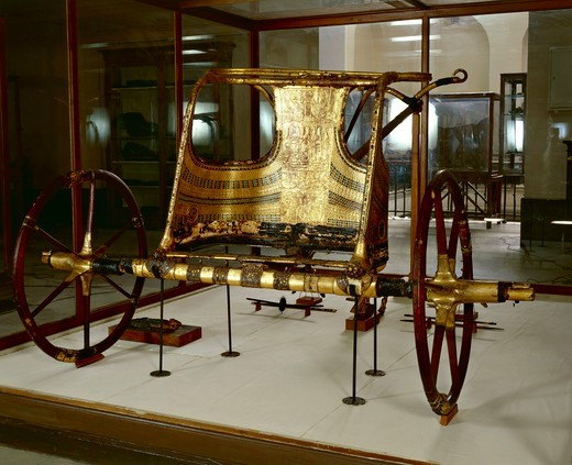Treasure of Tutankhamen, royal chariot from New Kingdom : Stock Photo