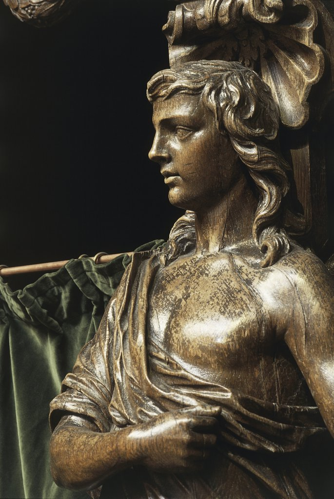 Stock Photo: 1788-2073 Close-up of a statue in a cathedral, Cathedral Of Saints Michael And Gudula, Brussels, Belgium