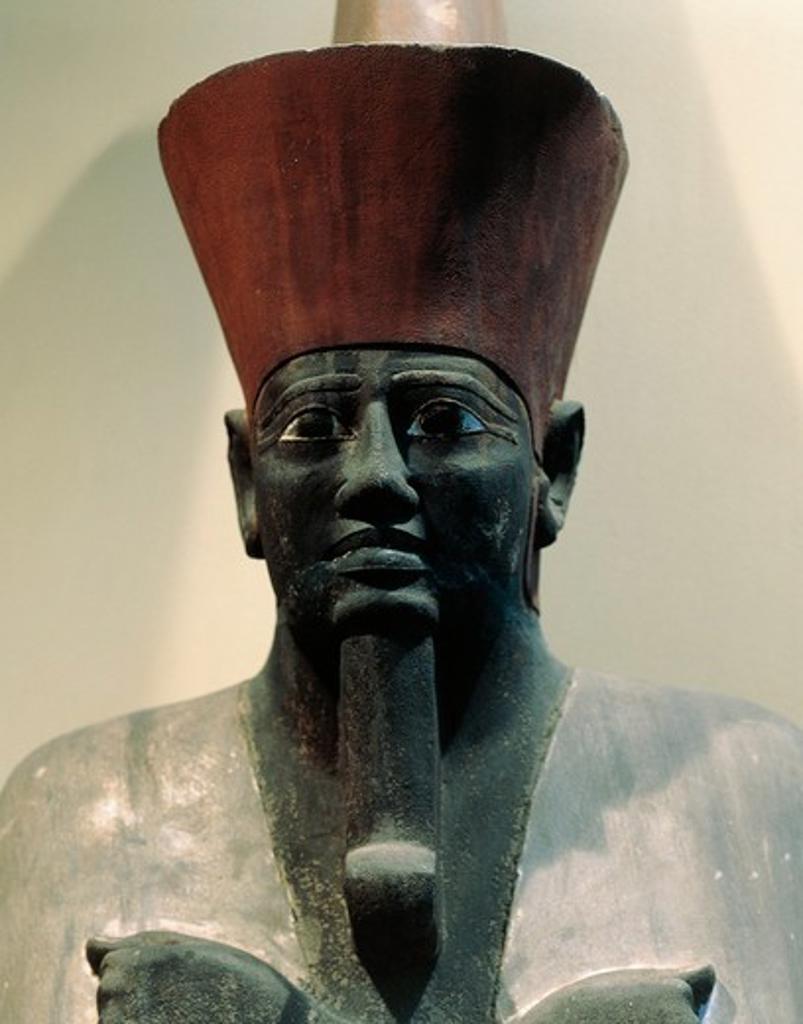 Egypt, Cairo, Statue of Pharaoh Mentuhotep II (circa 2061-2010 B.C.), eleventh dynasty : Stock Photo