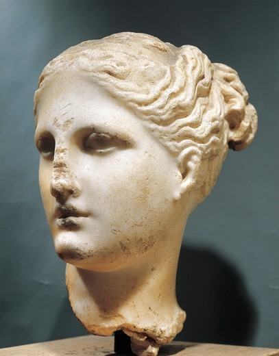 Head of Aphrodite (circa 325 B.C.) by the School of Praxiteles, marble : Stock Photo