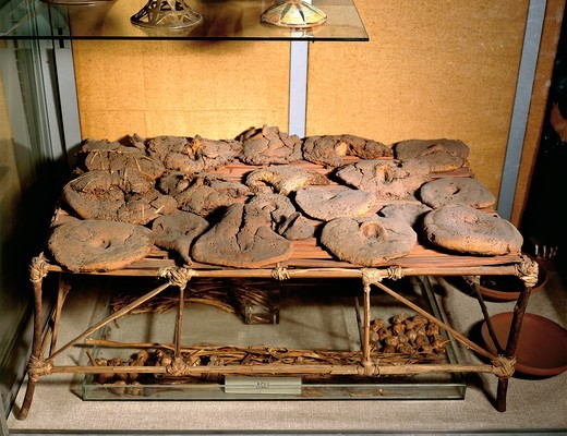 Egypt, Thebes, Tomb of Kha, Bread loaves (various shapes had symbolic value), eighteenth dynasty : Stock Photo