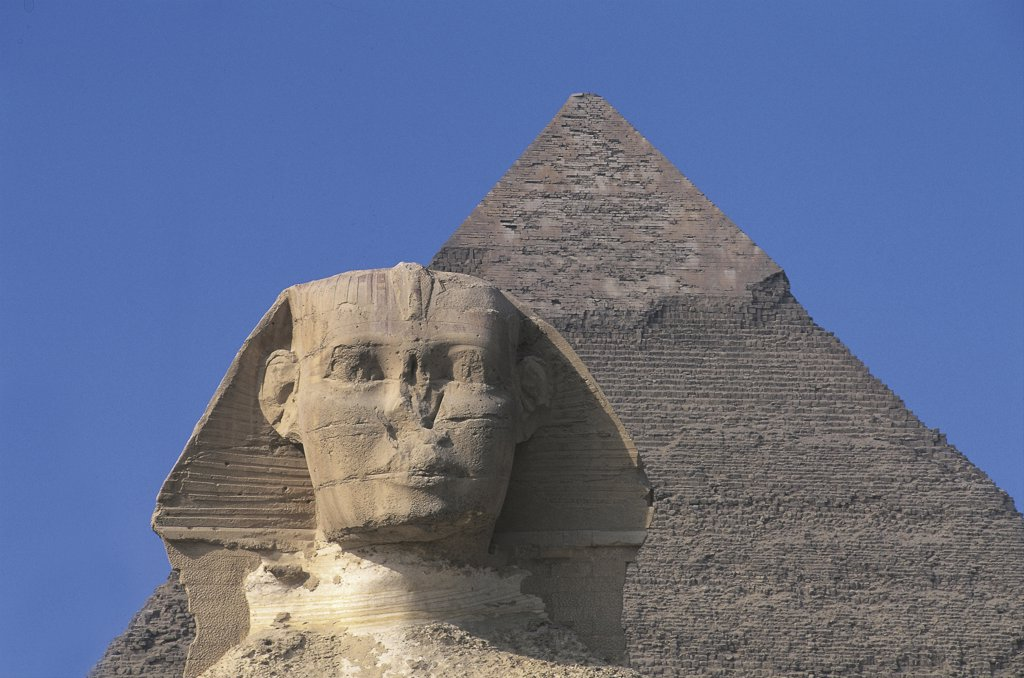 Stock Photo: 1788-2468 Egypt - Cairo - Ancient Memphis (UNESCO World Heritage List, 1979). Great Sphinx and pyramid of Chefren (greek: Khafre) at Giza