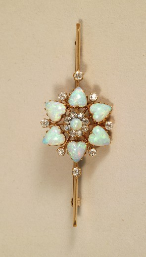 Stock Photo: 1788-26448 Goldsmith's art, 19th century. Gold brooch set with heart shaped opals and diamonds.