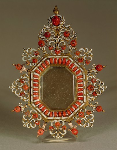 Stock Photo: 1788-26655 Goldsmith's art, Italy, 17th century. Octagonal picture frame decorated with openwork copper set with rose shaped coral.