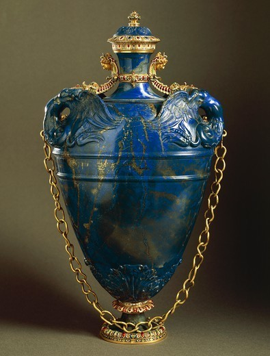 Stock Photo: 1788-26677 Goldsmith's art, Italy, 16th century. Bernardo Buontalenti (1531-1608), Jacques Bylivelt (1550-1603), Lapis lazuli flask with cover, gold chain and enamelled gold and gilded copper strips, 1583. Height cm. 40.5