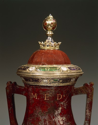 Stock Photo: 1788-26963 Silversmith's art, Italy, 15th century. Red jasper, enamelled gilded silver vase with two handles and lid. Height cm. 42. Signed LAV.R.MED. Detail of the lid.