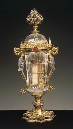 Silversmith's art, Italy, 15th century. Enamelled gilded silver mounted rock crystal glass with lid. Height cm. 44.4. : Stock Photo