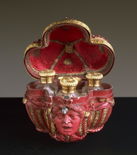 Goldsmith's art, Germany, 17th century. Perfume casket in gold, red painted ivory, diamonds, crystal and silk, 1680. : Stock Photo