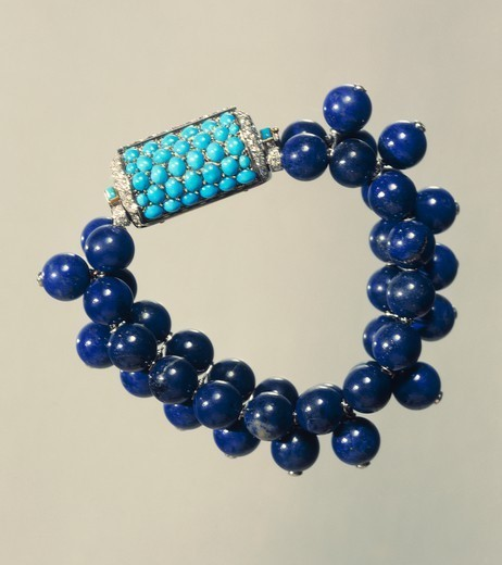 Stock Photo: 1788-27160 Goldsmith's art, France, 20th century. Three rows of lapis lazuli beads bracelet with turquoises and diamonds clasp, Cartier 1937.