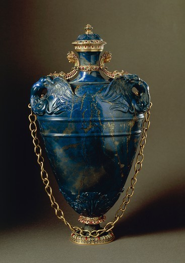 Stock Photo: 1788-27195 Goldsmith's art, Italy, 16th century. Bernardo Buontalenti (1531-1608), Jacques Bylivelt (1550-1603), Lapis lazuli flask with cover, gold chain and enamelled gold and gilded copper strips, 1583. Height cm. 40.5