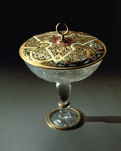 Stock Photo: 1788-27196 Goldsmith's art, Italy, 16th century. Gasparo Miseroni (active about 1550-1575), Cup in rock crystal and enamelled gold. Height 22.5 cm. Openwork gold lid.