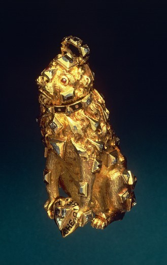 Stock Photo: 1788-27312 Goldsmith's art, Germany, 16th century. Gold, enamel and diamonds pendant representing a lion.
