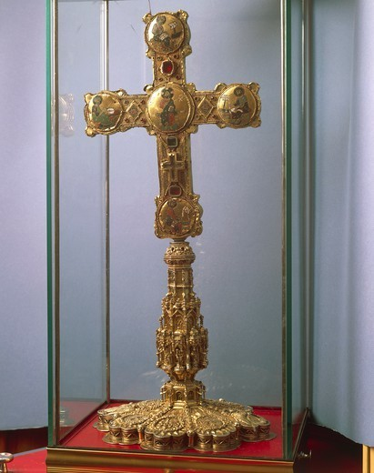 Stock Photo: 1788-27377 Goldsmith's art, Italy, 12th century. Reliquary of the True Cross (Staurotheke) in gold, enamel and precious stones. Made by the Royal Workshops, Palermo, and donated from Emperor Frederick II to the Cathedral of Cosenza. Front side.