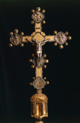 Goldsmith's art, Italy, 16th century. Processional cross, 1557, made in Abruzzo Region. : Stock Photo