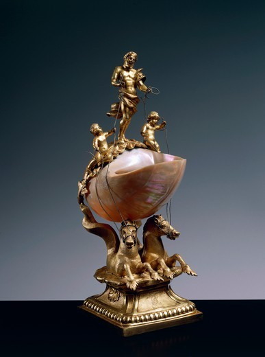 Stock Photo: 1788-27755 Goldsmith's art, Germany, 17th century. Nautilus salt cellar supported by two gilded bronze sea horses and surmounted by figure of god Neptune and two Puttos. Gilded bronze mount. Height cm. 33.