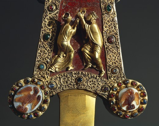 Stock Photo: 1788-27807 Goldsmith's art, 13th century. Processional cross in red jasper, gold and gems. Donated by Otto Visconti to Abbot Paolo da Besana, 1296. Front side. Detail.