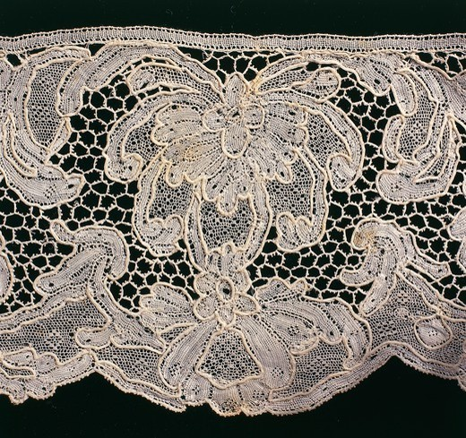 Stock Photo: 1788-27875 Laces, 18th century. Burano stitch (Punto Burano) and Venice stitch (Punto Venezia) needle lace hem. Detail.
