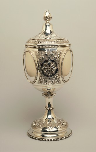 Stock Photo: 1788-28241 Silversmith's Art, England 19th century. Repousse silver cup with floreal motifs and parcel gilt interior. London, 1864.