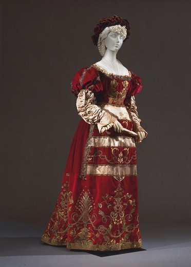 Stock Photo: 1788-28407 Italy, 19th century. Renaissance style costume in red silk velvet and silk satin. Italian manufacture, 1887