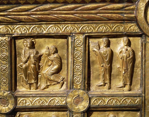 Goldsmith's art, Denmark, 13th century. Wooden altar covered in gold leaf, from Olst near Randers, 1200-1225. Detail: Adoration of the Magi. : Stock Photo