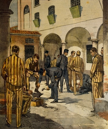 Civil reforms: The abolishing of chains in Italy's prisons. Illustrator Achille Beltrame (1871-1945), from La Domenica del Corriere, 3rd October 1902. : Stock Photo