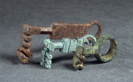 Italy, 1st century A.D. Iron and bronze keys. From Valle d'Aosta Region. : Stock Photo