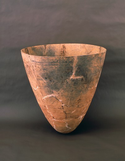 Stock Photo: 1788-39395 Prehistory, Korea, Neolithic. Comb Ceramic type bowl. From Amsa-dong.