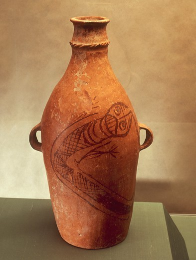Prehistory, China, 3rd millennium b.C. Ceramic amphora with decoration representing a snake with feet. From Kan-Ku. : Stock Photo
