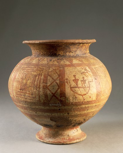 Prehistory, Italy, 8th century b.C. Terracotta painted vase. From Campi Bisenzio, province of Florence. : Stock Photo