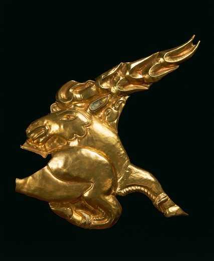 Stock Photo: 1788-39503 Prehistory, Hungary, Iron Age. Getae and Thracian civilization. Gold figure of deer. From Zoldhalompuszta.