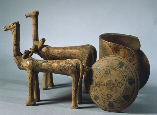 Two animals pulling a chariot, terracotta from a tomb in Volos, in Thessaly, Greece. Greek Civilization, 6th Century BC. : Stock Photo