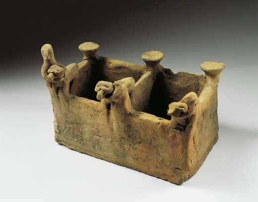 Stock Photo: 1788-41045 Clay model of a stable, artefact from Tell Munbaqa, Syria. Assyrian civilisation, 14th-12th Century BC.