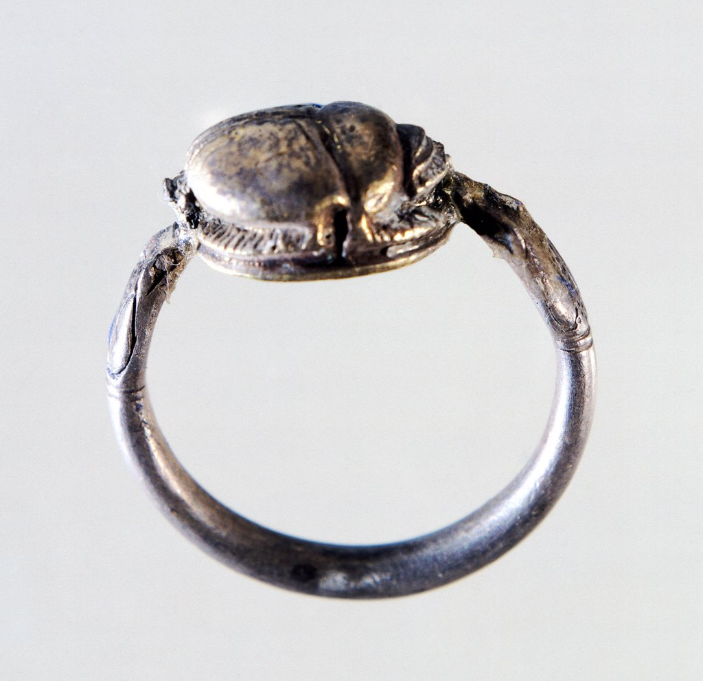 Stock Photo: 1788-41332 Silver ring with carved scarab from Locri, Calabria, Italy. Goldsmith art. Ancient Greek civilization, Magna Graecia.